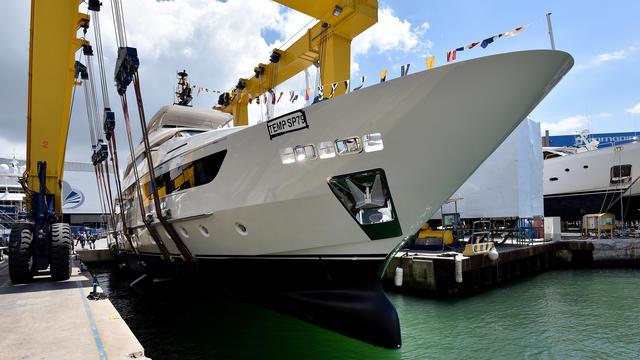 SANLORENZO SD126 YACHT LAUNCHED AND NAMED SIMSIM