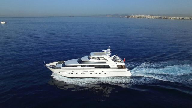 Sanlorenzo motor yacht Theodora Mia listed for sale