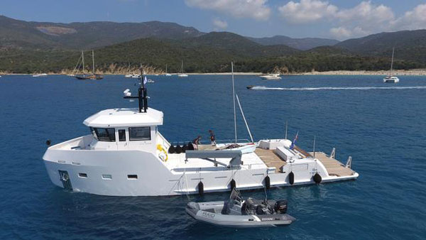 Take your charter appeal to the next level with Lynx Yachts' YXT range
