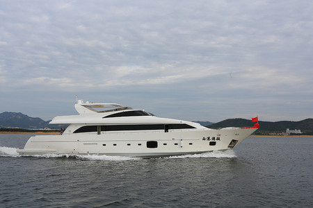 115' Luxury yacht