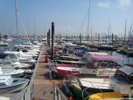 Marinas - Small and medium-size yachts